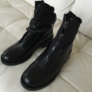 Leather winter boots with fur Size 38